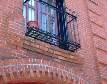 Pratt Carriage Balcony